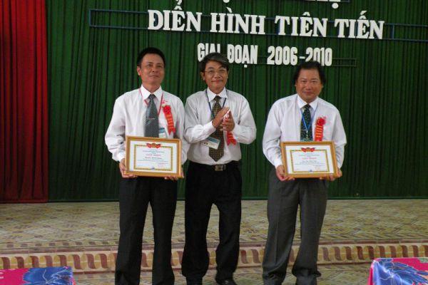 hoinghi01543093D3-2A2A-DCEC-C8E3-0751C765190D.jpg